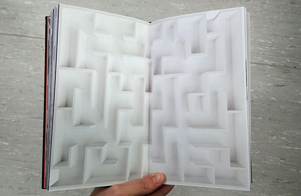 "Die leere Doppelseite ""Labyrinth"""