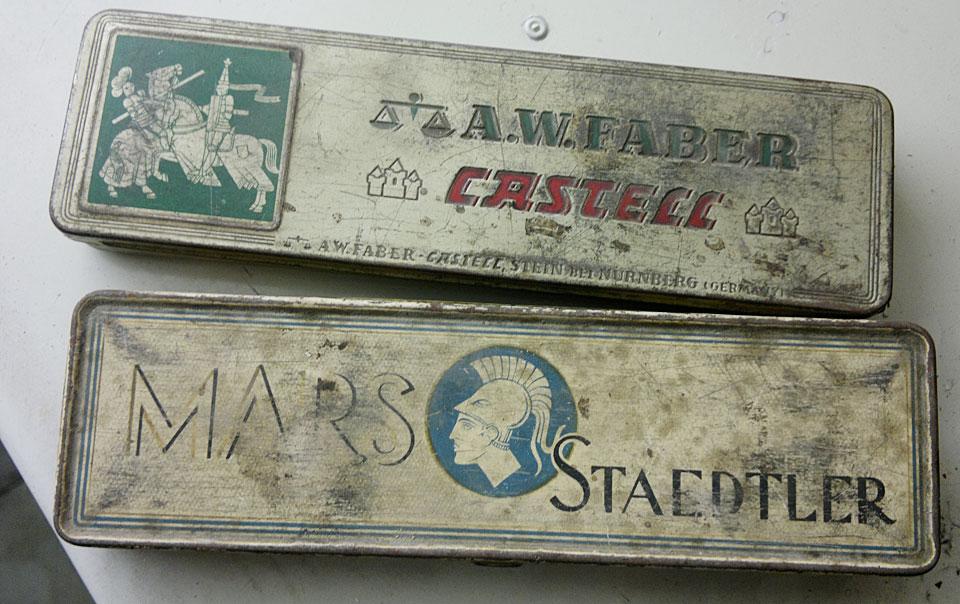 Alte Dosen von Faber und Staedtler - beinhalten nun aber eine Menge Uhrmacherfeilen!