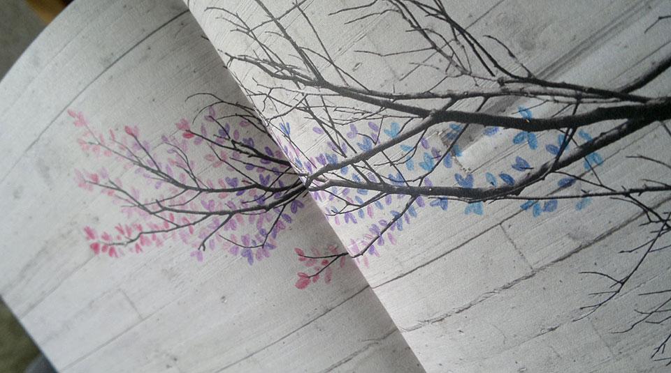 Die ersten bunten Knospen an den Zweigen...
