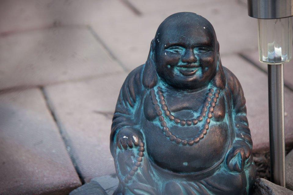 Der dritte im Bunde: Dieser runde fröhliche Buddha.