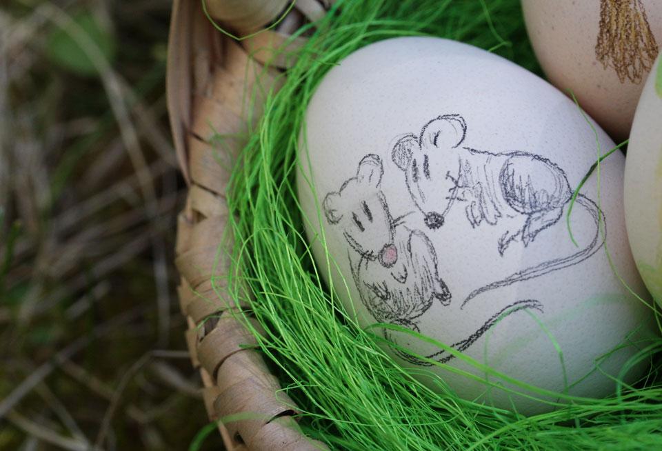 Und ein Ei mit den Zirkusmäusen Bimbo und Sambo!