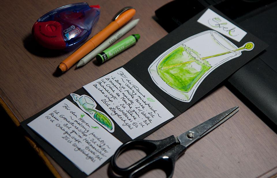 Rezepte und Bilder auf der Klappkarte aus Tonkarton.