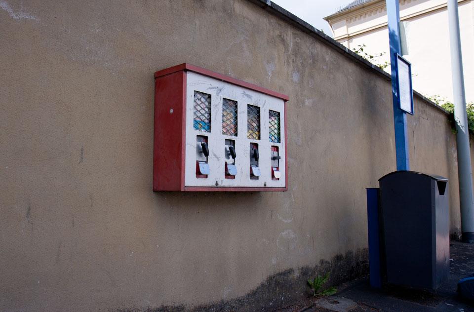 An der Bushaltestelle in Dauborn