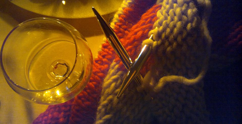 Neue Freunde 2012: (Weiß)Wein und Wolle im Kerzenschein.