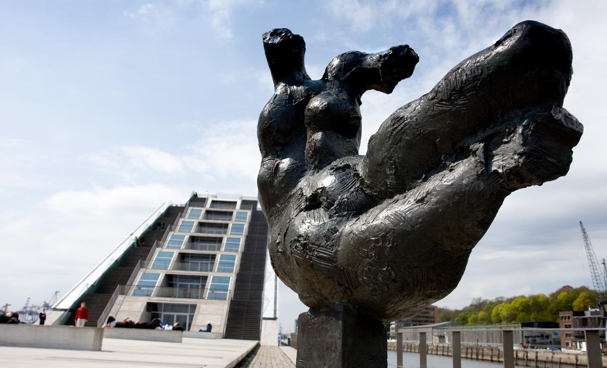 """""""Die Elbe"""" – Docklands."""