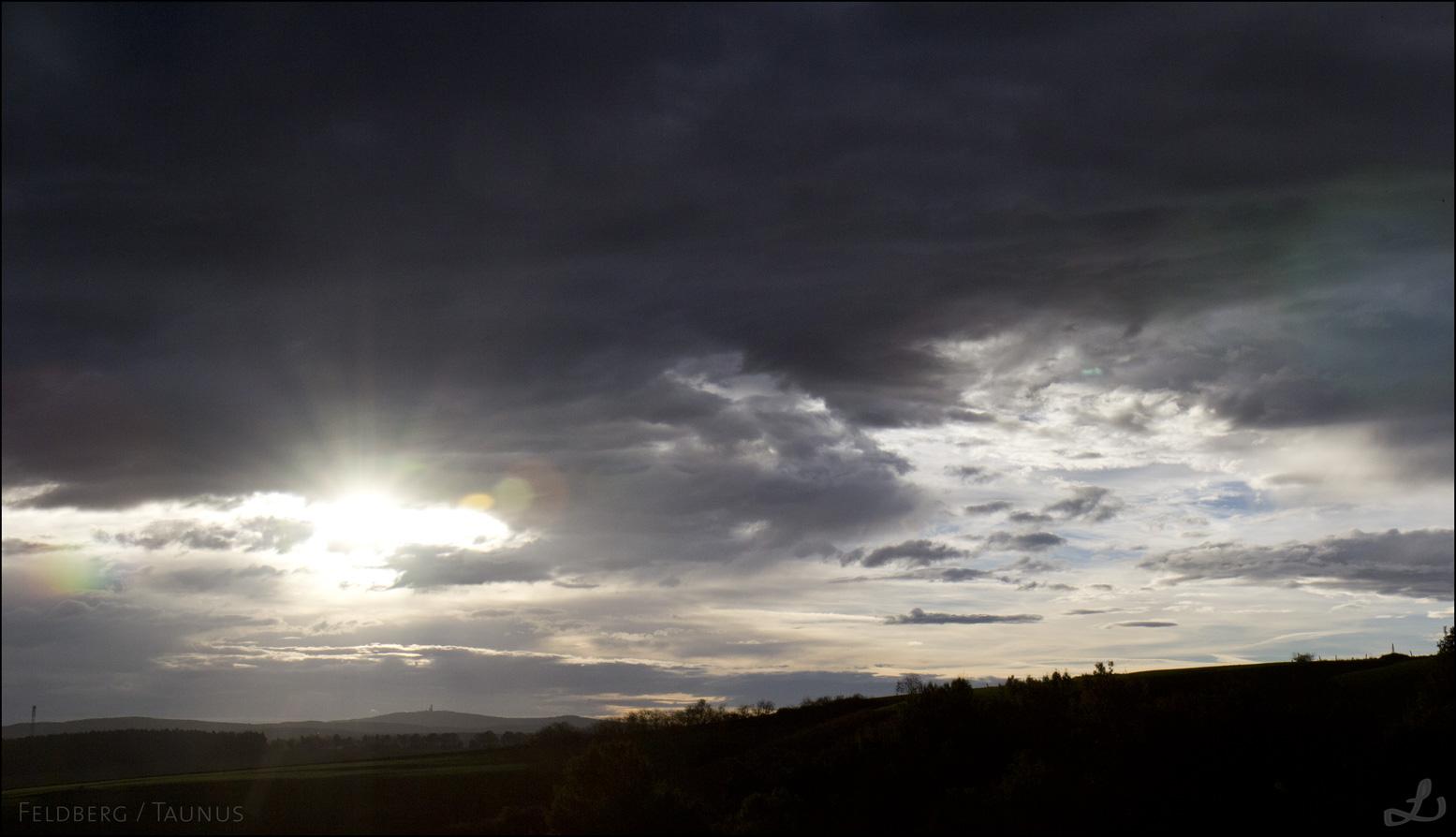 Morgens mal kurz angehalten: Sonnenaufgang über Niederselters.
