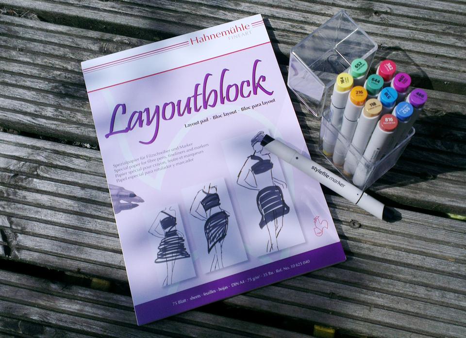 Mein Material: Der Layoutblock von Hahnemühle und die Stylefile Marker Brush. Dazu kamen noch verschiedene Tusche-Fineliner.