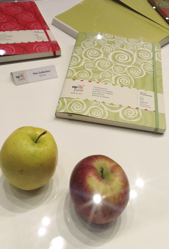 Die Idee aus Italien: Papier und Leder aus den Resten von Äpfeln.
