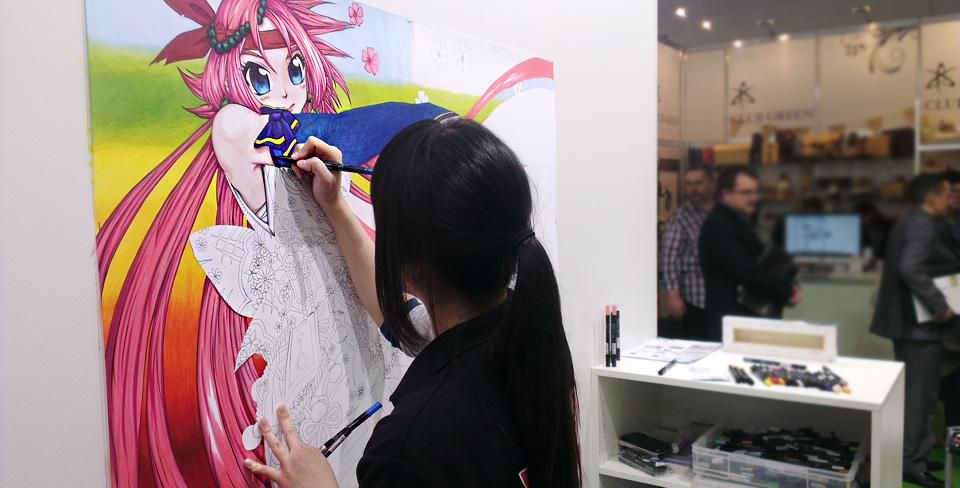 Nebenan entsteht ein farbintensives Manga.