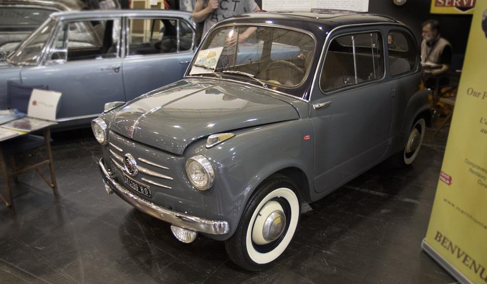 In unauffälligem Grau: Ein Fiat 600 Giulia aus der 1. Serie.