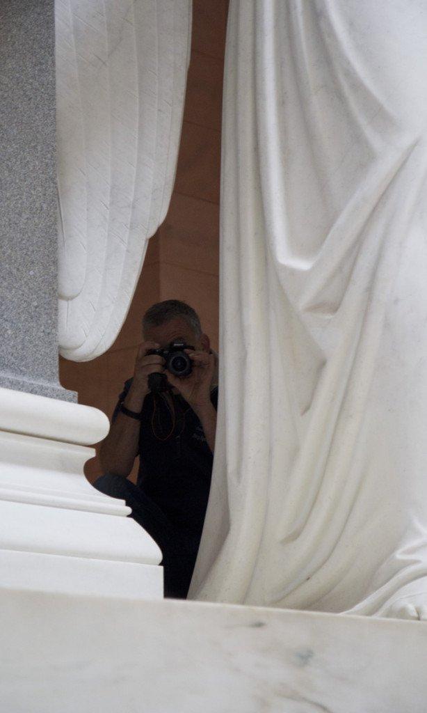 Immer diese Paparazzi – verstecken sich einfach hinter den vielen Engeln in der Befreiungshalle.