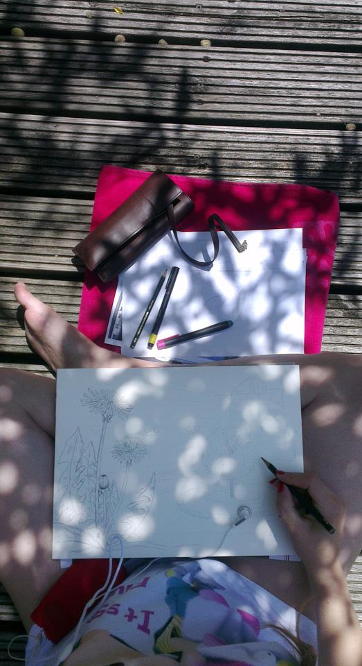 Den Sonnenschein ausnutzen: Gekritzel im Garten