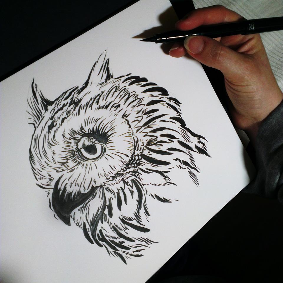 Sleepy Owl. Stark variierender Duktus - ganz einfach mit der Pinselspitze des Pentel Pocketbrushpen.