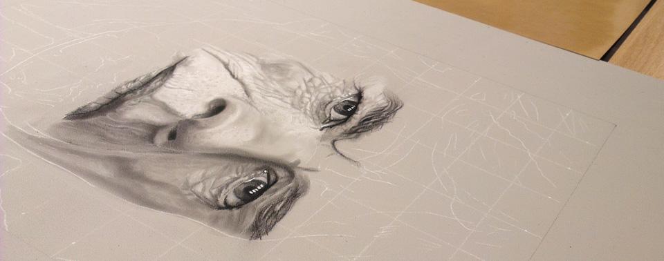 Auch große Kunst fängt klein an: Anfangsstadium einer Fotorealistischen Kreidezeichnung.