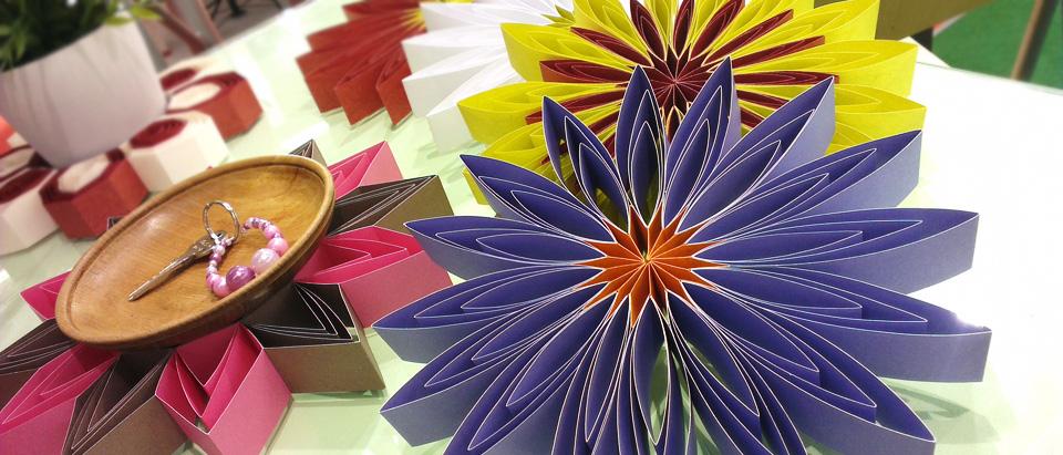 Es ist schon Frühling: Papercrafts wohin man blickt.