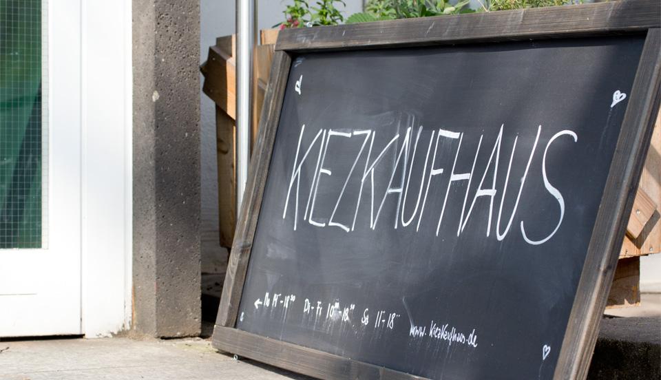 Das Kiezkaufhaus in Wiesbaden - im Pop up Store am Staatstheater werden lokale Produkte verkauft.