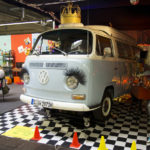 Die Dancing Queen der IG VW T2 rockte die ganze Messe!