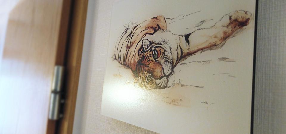 Das matte Finish auf dem GalleryPrint nimmt ihm die starke Spiegelung…