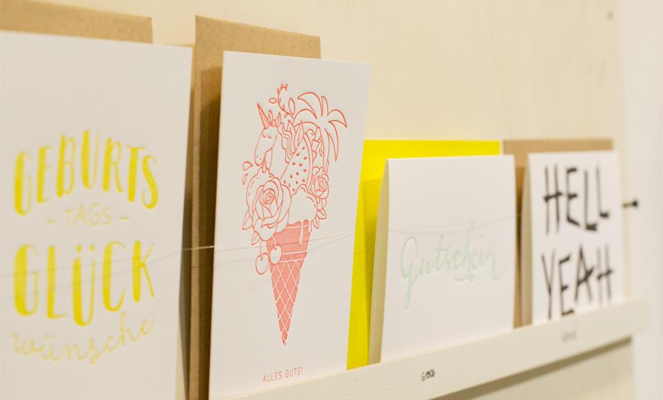 Hier durfte man auch Anfassen! Bei schönen handgefertigten Letterpress-Karten auch ein Muss.