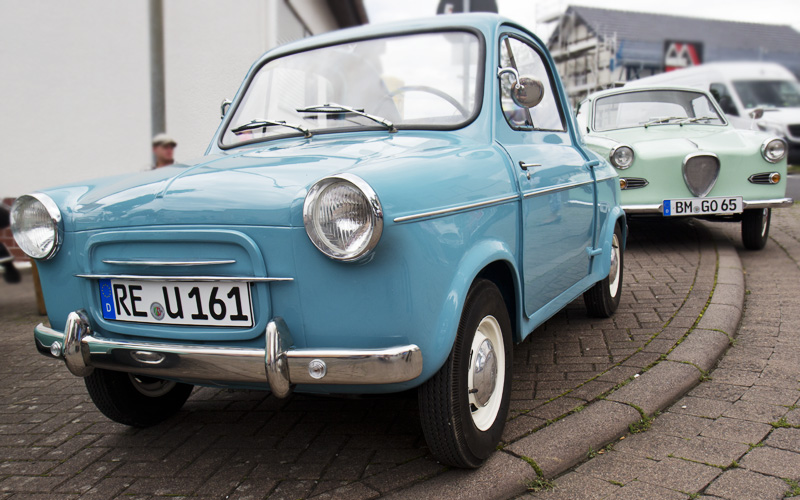 Kleinwagen Kleinod: Vespa 400 und Glas Goggomobil.