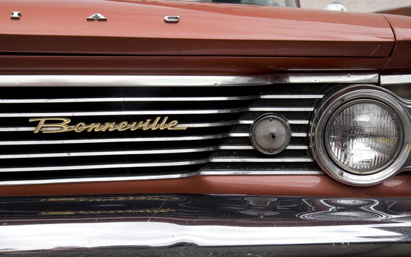 Pontiac Bonneville - auch hier eine schöne geschlossene Schreibschrift.