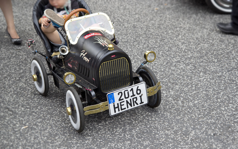 Henri fuhr so ziemlich das coolste Auto auf dem ganzen Festival.