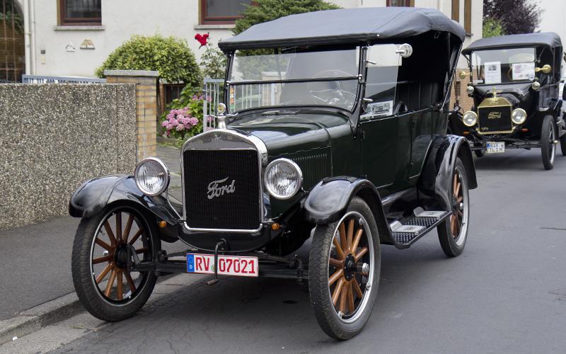 Die ältesten vor Ort: Mit dem Ford Modell-T hat alles angefangen - das Auto für Jedermann, zeitnah montiert am Fließband.
