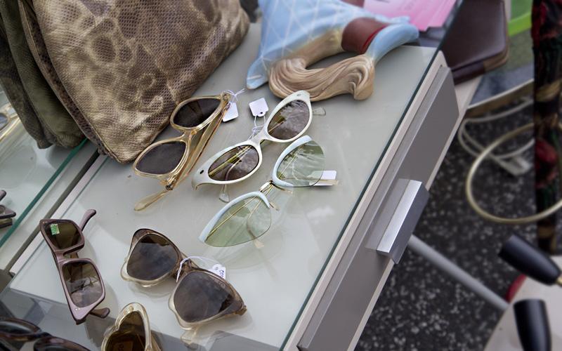 Stilecht und vor allem Stilsicher ist die Dame an diesen Tagen mit einer solchen Sonnenbrille gekleidet.