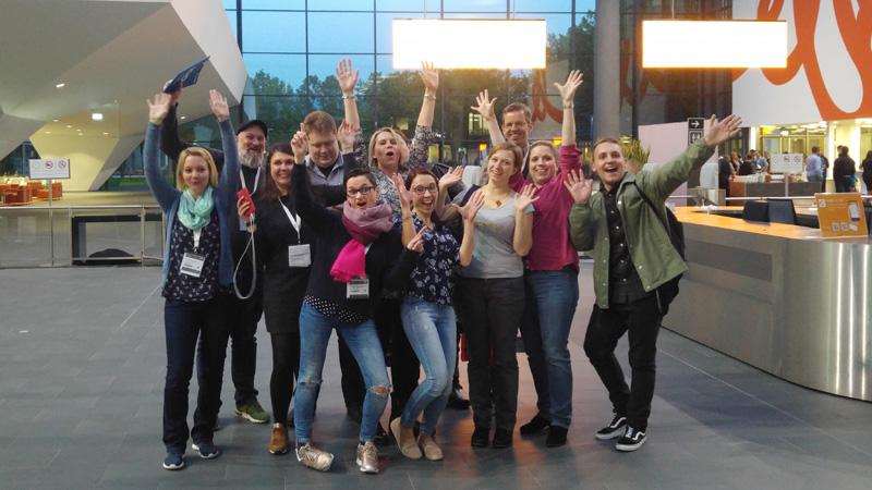 Bloggertreffen Olé! Die (nicht mehr ganz vollständige) Gruppe nach dem Besuch der insights-x.