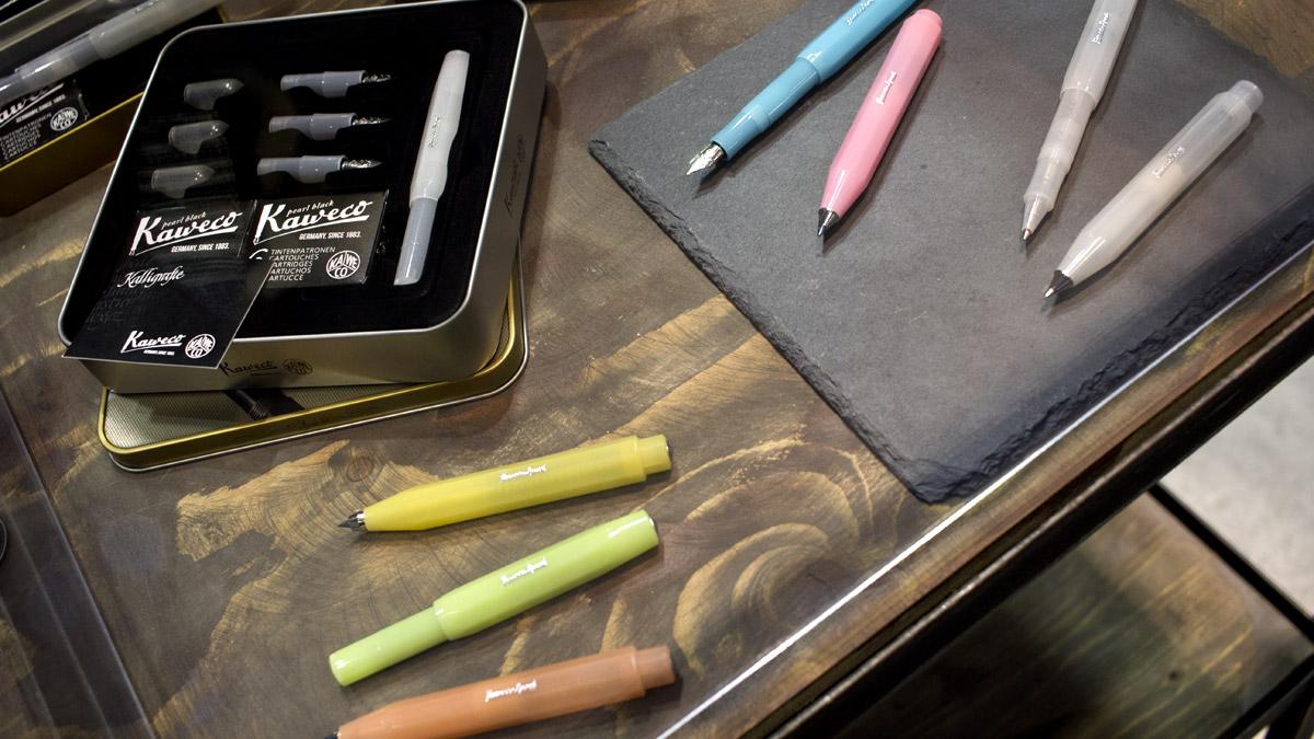 Der Kaweco Frosted Sport - semitransparend in sechs frischen Farben