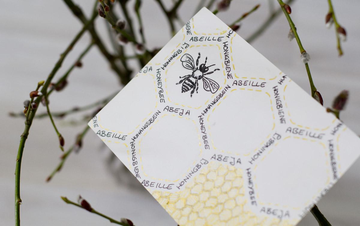 Gesa schickte diese goldene Karte, die die Wabenstruktur der Bienen aufnimmt. @missfernweh