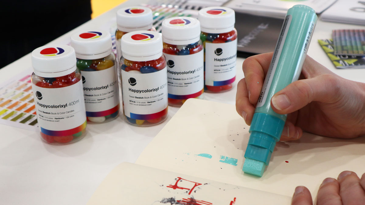 Satter Marker bei Montana Colors.