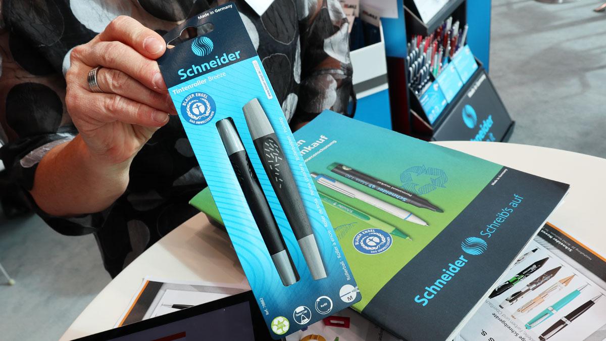 Schneider Breeze Tintenroller in der Verpackung aus Papier.