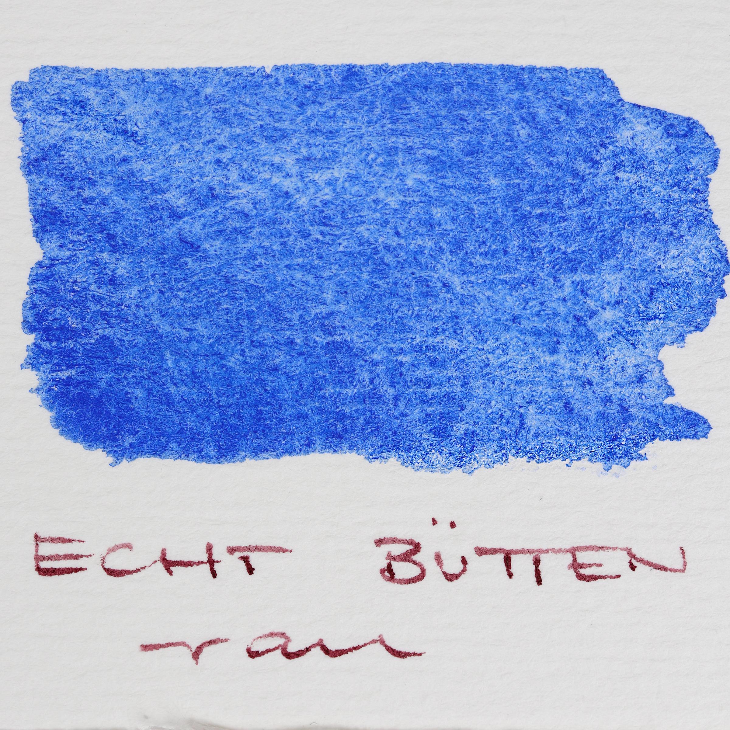 Granulierende Aquarellfarbe – Schmincke Französisch Ultramarin Blau (493) auf Echt-Bütten Papier, rau.