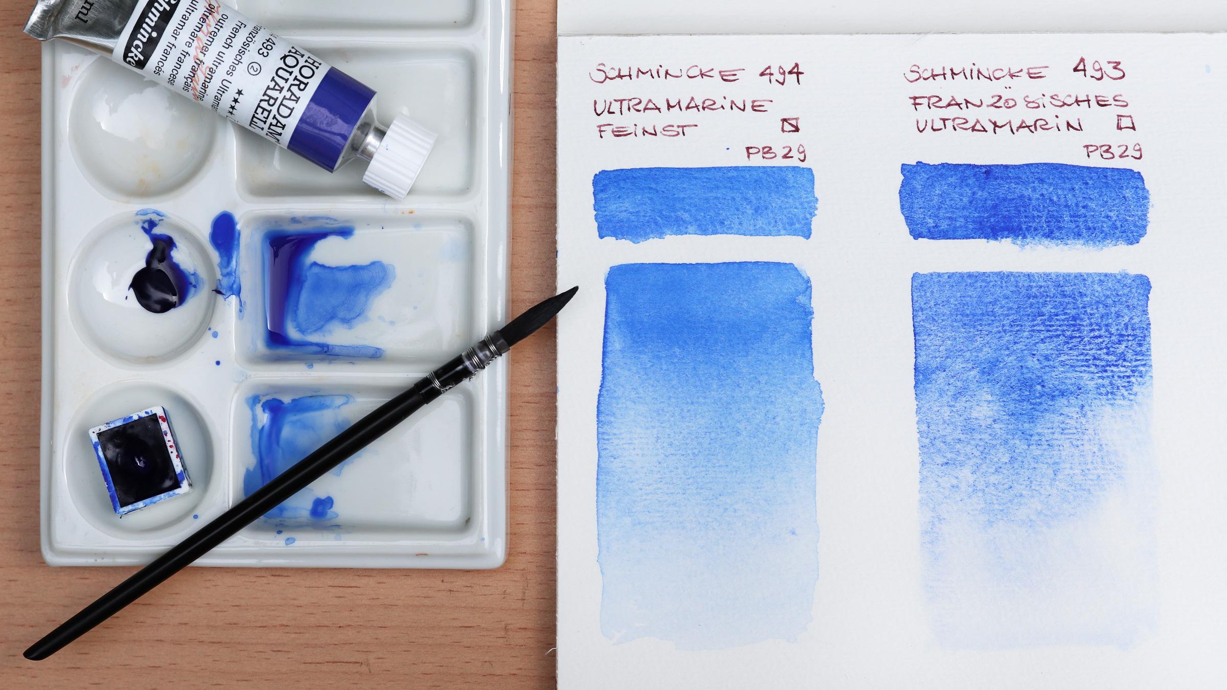 Granulierende Aquarellfarbe – Schmincke Ultramarinblau Feinst 494 neben Französisch Ultramarin 493