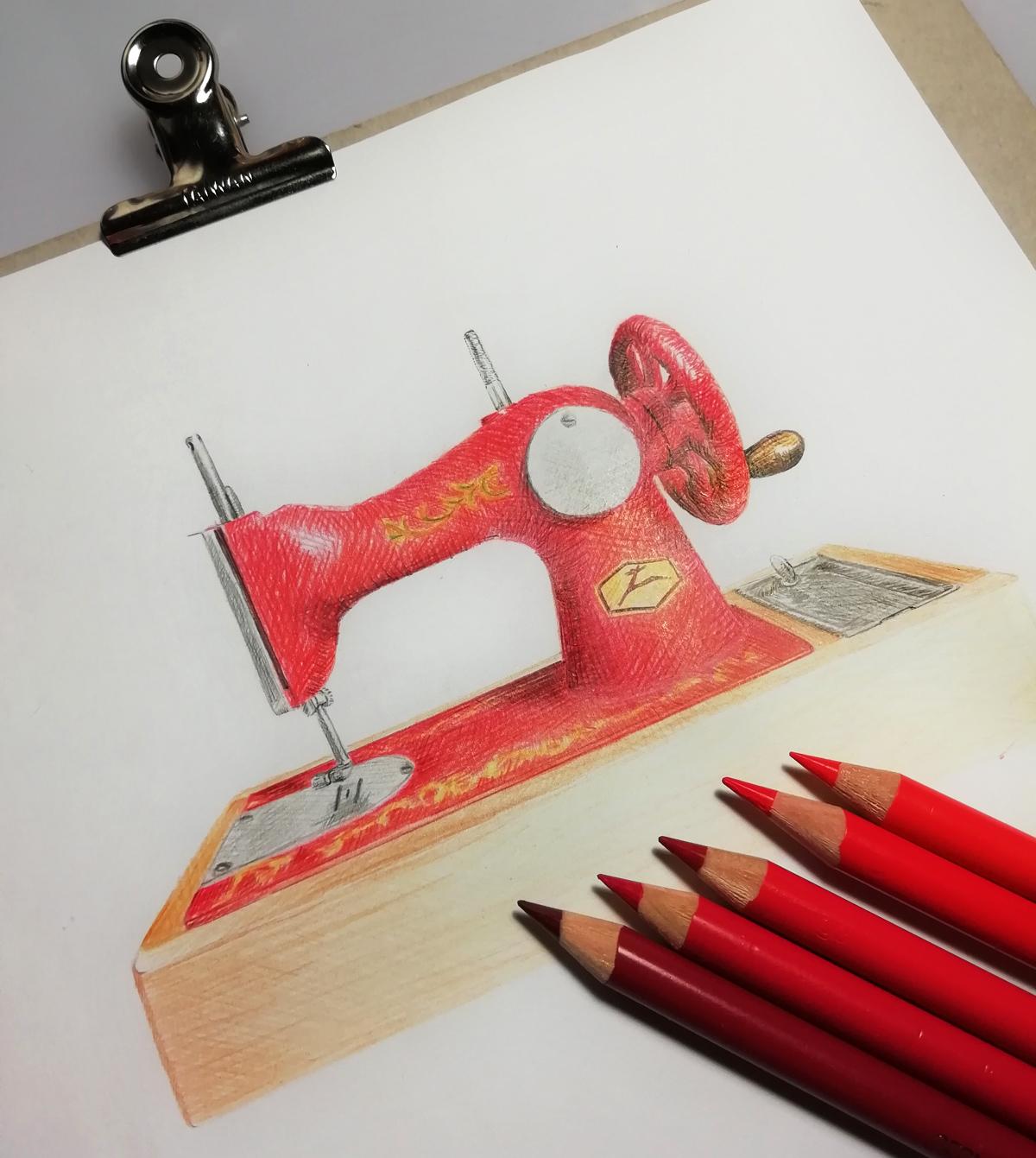 Rottäne aus Buntstiften ergeben diese schöne Zeichnung der Nähmaschine von Annas Oma.