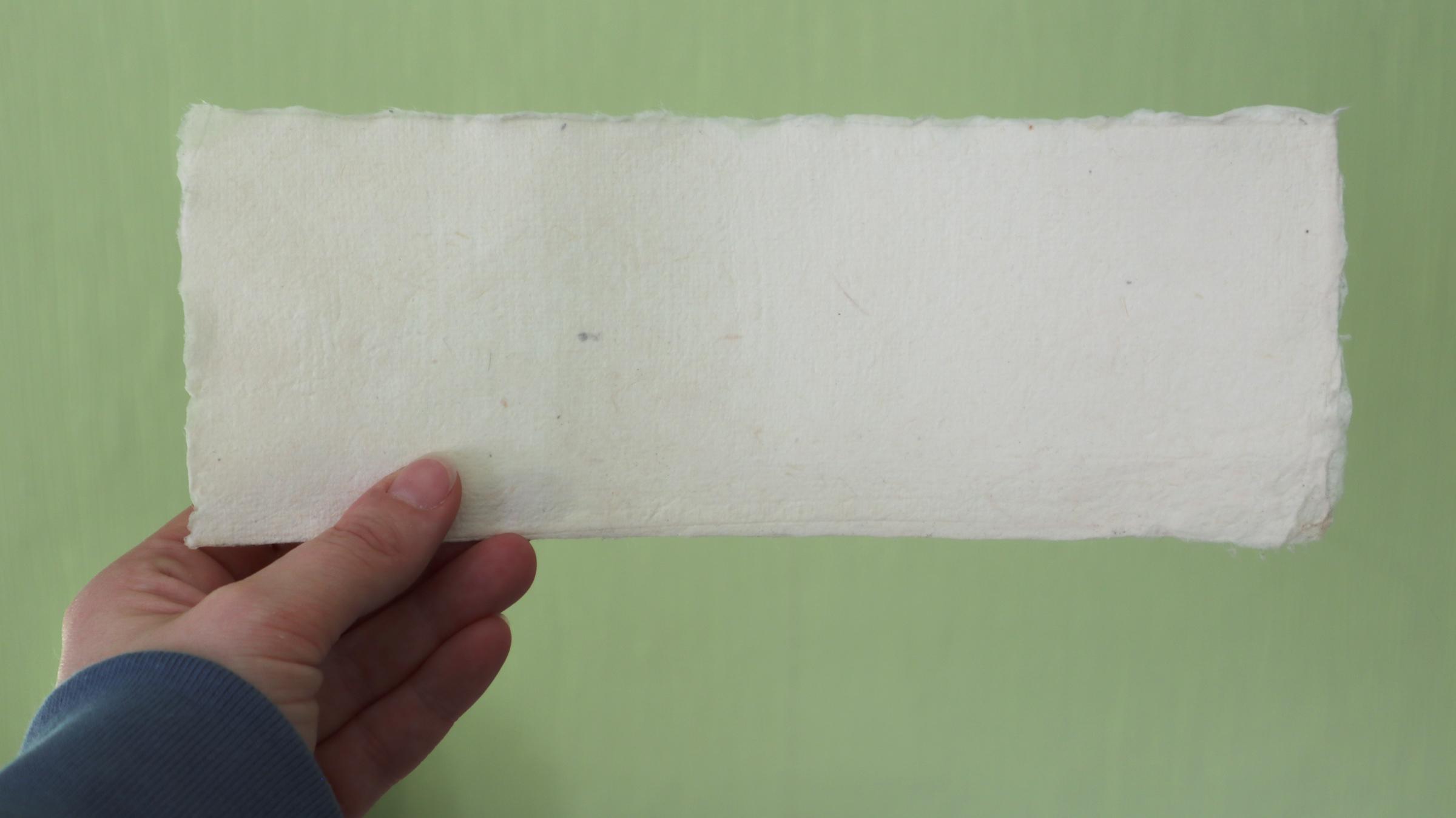 Fertiges Format mit verriebenen Kanten. Wer erkennt die echten Büttenränder?