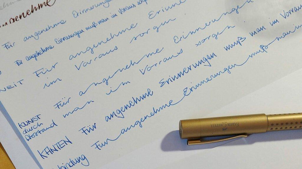 Ein Zitat, verschiedene Varianten meiner Handschrift.